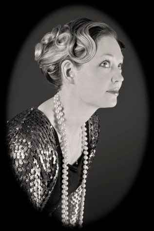 Beautiful detail on a 1920s hairstyle