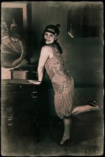 1920s Charleston with gramophone