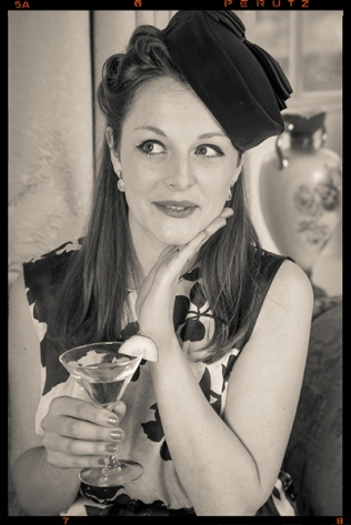 1940s victory rolls with hat