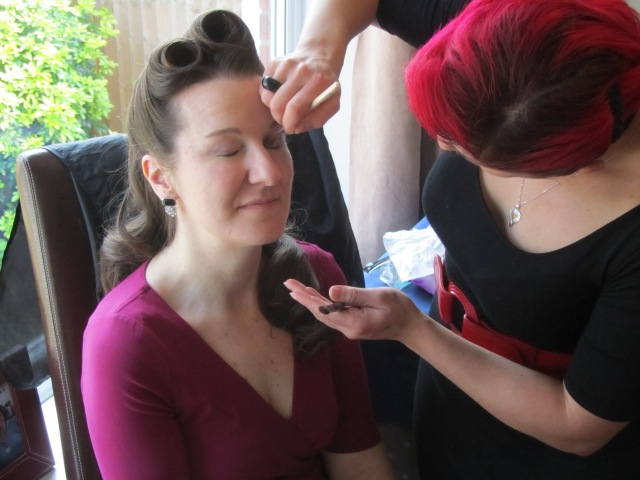 1940s hairstyle and make up